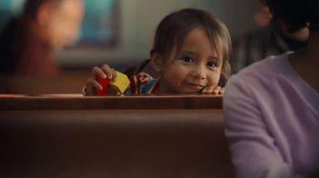 IHOP TV Spot, 'A todos nos caería muy bien un panqueque' [Spanish] - Thumbnail 6
