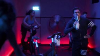 Citi Custom Cash Card TV Spot, 'It Pays To Be Dan: Home Improvement and Fitness Club' Featuring Dan Levy - Thumbnail 5