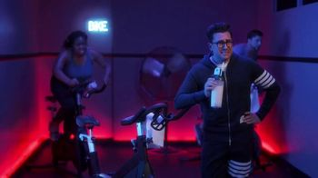Citi Custom Cash Card TV Spot, 'It Pays To Be Dan: Home Improvement and Fitness Club' Featuring Dan Levy - Thumbnail 9