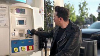 Citi Custom Cash Card TV Spot, 'It Pays to Be Dan' Featuring Dan Levy - Thumbnail 2