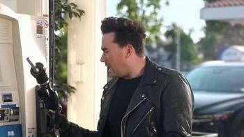 Citi Custom Cash Card TV Spot, 'It Pays to Be Dan' Featuring Dan Levy - Thumbnail 4
