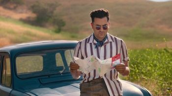 Citi Custom Cash Card TV Spot, 'It Pays to Be Dan' Featuring Dan Levy - Thumbnail 7