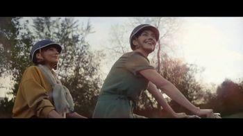 Expedia TV Spot, 'All By Myself: Stay Longer' Featuring Rashida Jones