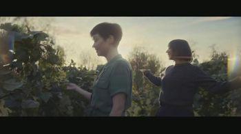 Expedia TV Spot, 'All By Myself: App' Featuring Rashida Jones - Thumbnail 7