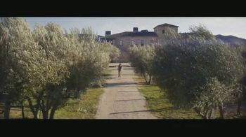 Expedia TV Spot, 'All By Myself: App' Featuring Rashida Jones - Thumbnail 8