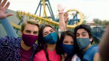 Six Flags Great America TV Spot, 'Wake Up to Awesome: Tickets as Low as: $29.99' - Thumbnail 6