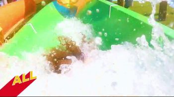 Six Flags Hurricane Harbor Arlington TV Spot, 'The Thrill is Calling: Banzai Pipeline' - Thumbnail 7