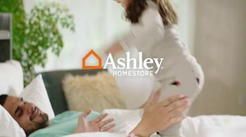 Ashley HomeStore Best of the Best Mattress Sale TV Spot, 'Tempur-Pedic and Beautyrest: Financing' - Thumbnail 1