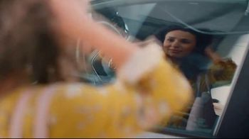 Toyota TV Spot, 'Words of Encouragement' Song by Sia [T2] - Thumbnail 7
