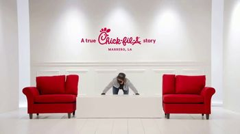 Chick-fil-A TV Spot, 'The Little Things: Mardi Gras' - Thumbnail 2
