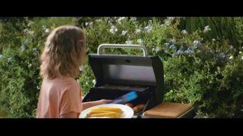 Reynolds Wrap TV Spot, 'Make Time With Reynolds Wrap: Pool' - Thumbnail 4