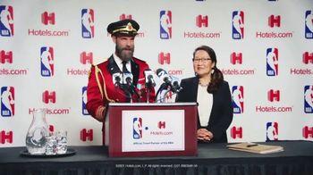 Hotels.com TV Spot, 'NBA Press Conference' - Thumbnail 10