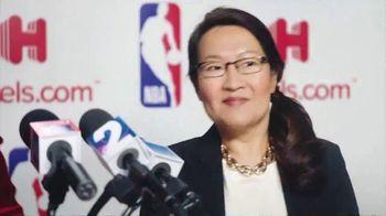Hotels.com TV Spot, 'NBA Press Conference' - Thumbnail 3