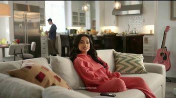 XFINITY Flex TV Spot, 'Palomitas' con Becky G [Spanish] - Thumbnail 2