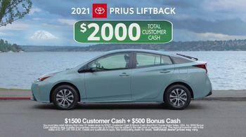 Toyota TV Spot, 'Ten Different Hybrids' [T2] - Thumbnail 10
