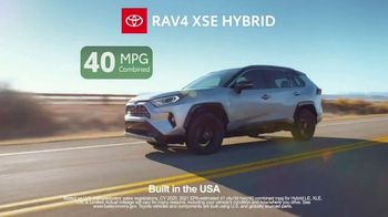 Toyota TV Spot, 'Ten Different Hybrids' [T2] - Thumbnail 4