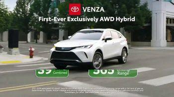 Toyota TV Spot, 'Ten Different Hybrids' [T2] - Thumbnail 7