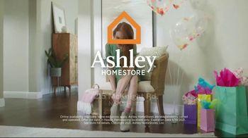 Ashley HomeStore Spring Semi-Annual Sale TV Spot, 'Spring Is In Full Swing' - Thumbnail 9