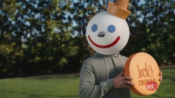 Jack in the Box Cheddar Biscuit Breakfast Sandwiches TV Spot, 'Todo es mejor con Cheddar' [Spanish] - Thumbnail 2