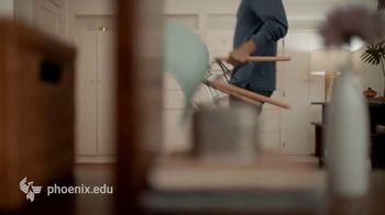 University of Phoenix TV Spot, 'Makeover' - Thumbnail 3