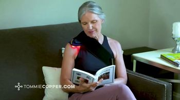 Tommie Copper TV Spot, 'Infrared and Red Light Therapy Devices: Save 25%' - Thumbnail 3
