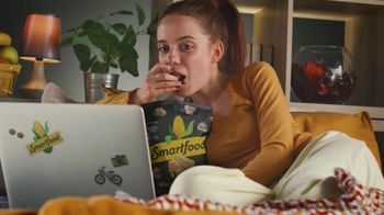 Smartfood TV Spot, '100% Committed to Marathon Watching' - Thumbnail 5