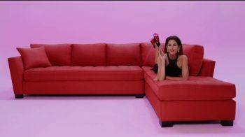 Rooms to Go Cindy Crawford Colors TV Spot, 'Hazlo audaz' canción de Black Box [Spanish] - Thumbnail 3