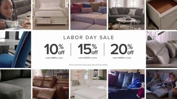 American Signature Furniture Labor Day Sale TV Spot, 'Chill Out, Get Rowdy, Get Together' - Thumbnail 6