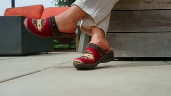 Reba by Justin TV Spot, 'Clogs Inspired by Saddle Blankets' - Thumbnail 3