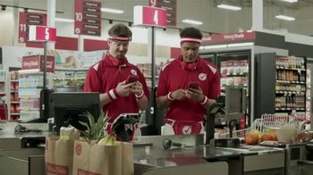 Winn-Dixie Twinn Week TV Spot, 'Pork Chops, Ice Cream and Sweet Goods' - Thumbnail 1