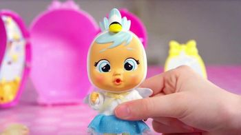 Cry Babies Magic Tears Storyland TV Spot, 'Discover All the Surprises: Fairy Tales Characters' - Thumbnail 7