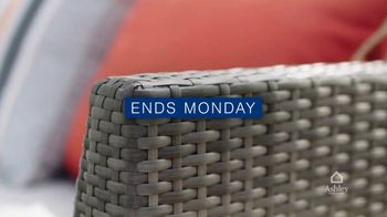 Ashley HomeStore Memorial Day Sale TV Spot, 'Ends Monday: Up to 25% Off, 0% Interest' - Thumbnail 6