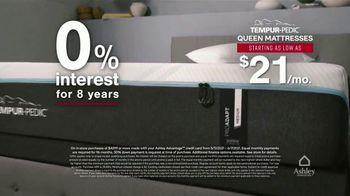 Ashley HomeStore Memorial Day Mattress Sale TV Spot, 'Save $800, 0% Interest' - Thumbnail 6