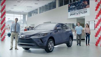 2021 Toyota Venza TV Spot, 'Perfect Combination' [T2] - Thumbnail 1