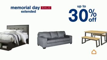 Ashley HomeStore Memorial Day Sale TV Spot, 'Extended: Up to 30% Off or No Interest' - Thumbnail 4