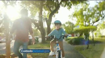 U.S. Department of Health and Human Services TV Spot, 'Ley del estímulo del COVID' [Spanish] - Thumbnail 1