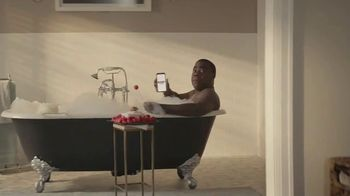 Rocket Mortgage TV Spot, 'Certain Is Better: Hitchhiker' Featuring Tracy Morgan - Thumbnail 4
