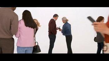 Verizon TV Spot, 'Biggest Upgrade Ever: 5G Phones' Featuring Kate McKinnon - Thumbnail 1