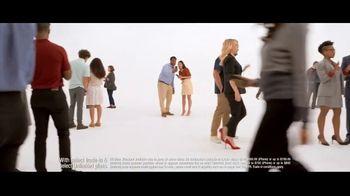 Verizon TV Spot, 'Biggest Upgrade Ever: 5G Phones' Featuring Kate McKinnon - Thumbnail 4