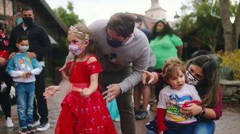 Disney World TV Spot, 'Tomorrow Begins Today' Song by Rex Allen - Thumbnail 5