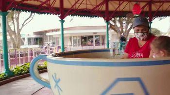 Disney World TV Spot, 'Tomorrow Begins Today' Song by Rex Allen - Thumbnail 7