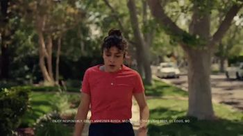 Michelob ULTRA TV Spot, 'The Pursuit' Song by Eddie & Ernie - Thumbnail 4