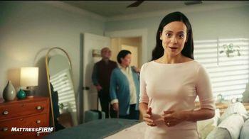 Mattress Firm TV Spot, 'Colchón matrimonial' [Spanish]