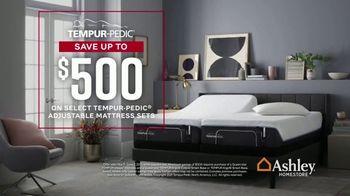 Ashley HomeStore Memorial Day Mattress Sale TV Spot, 'Save $500 on Adjustable Sets' - Thumbnail 3