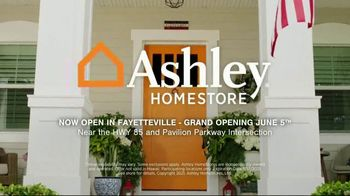Ashley HomeStore Memorial Day Sale TV Spot, 'Up to 30% Off and 0% Interest, No Minimum Purchase' - Thumbnail 9