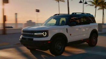 2021 Ford Bronco Sport TV Spot, 'Rhythm' Featuring Luis Fonsi [T2] - Thumbnail 4