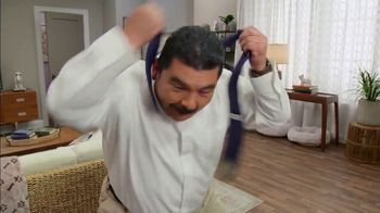 Charmin BRB Bot TV Spot, 'Skydiving' Featuring Guillermo Rodriguez - Thumbnail 6
