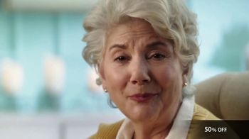 GreatCall Lively Flip TV Spot, 'Touch of a Button: Mother's Day' - Thumbnail 2