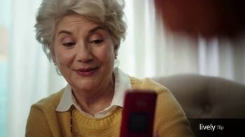 GreatCall Lively Flip TV Spot, 'Touch of a Button: Mother's Day' - Thumbnail 5