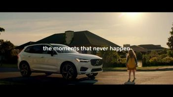2021 Volvo XC60 TV Spot, 'For Everyone's Safety' Song by Dan Romer [T2] - Thumbnail 6